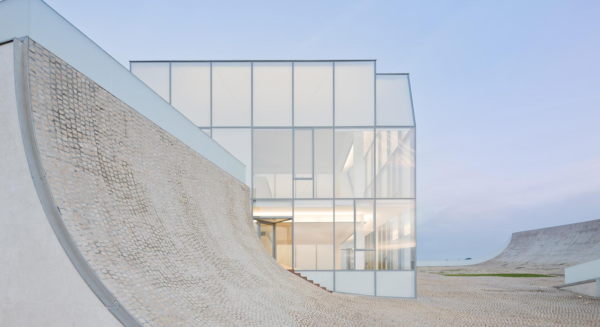Arquitectura y mar en Museo del Mar y el Surf, Biarritz