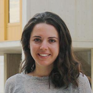 Paula  Esquinas