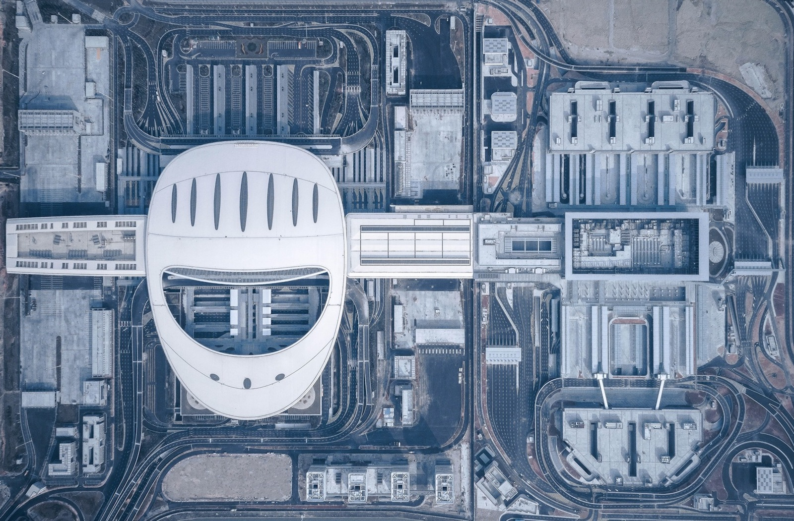 Transportation architecture: Aerial view of Hong Kong-Zhuhai_Macao Bridge by ECADI