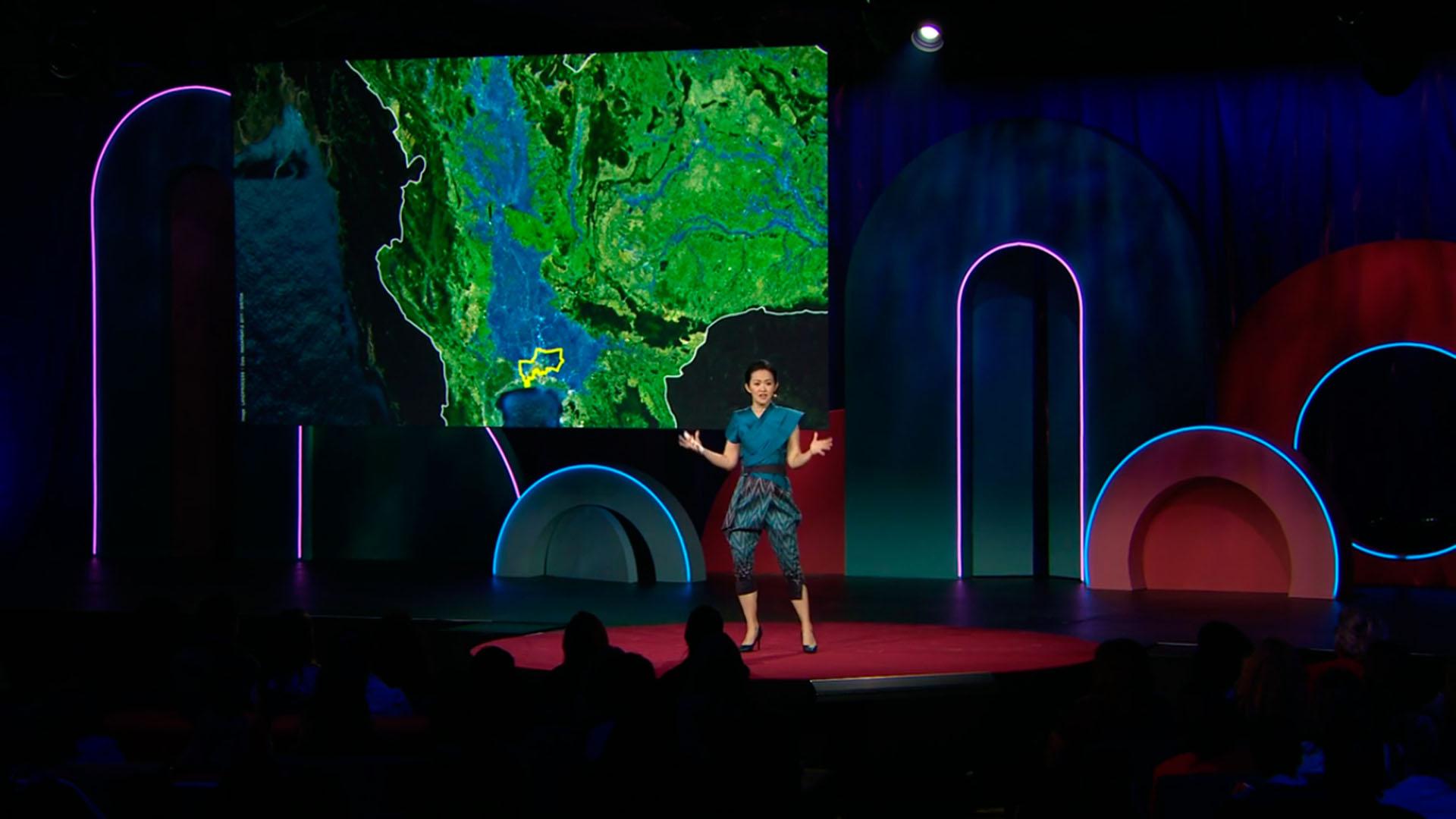 TED Talk con Kotchakorn Voraakhom