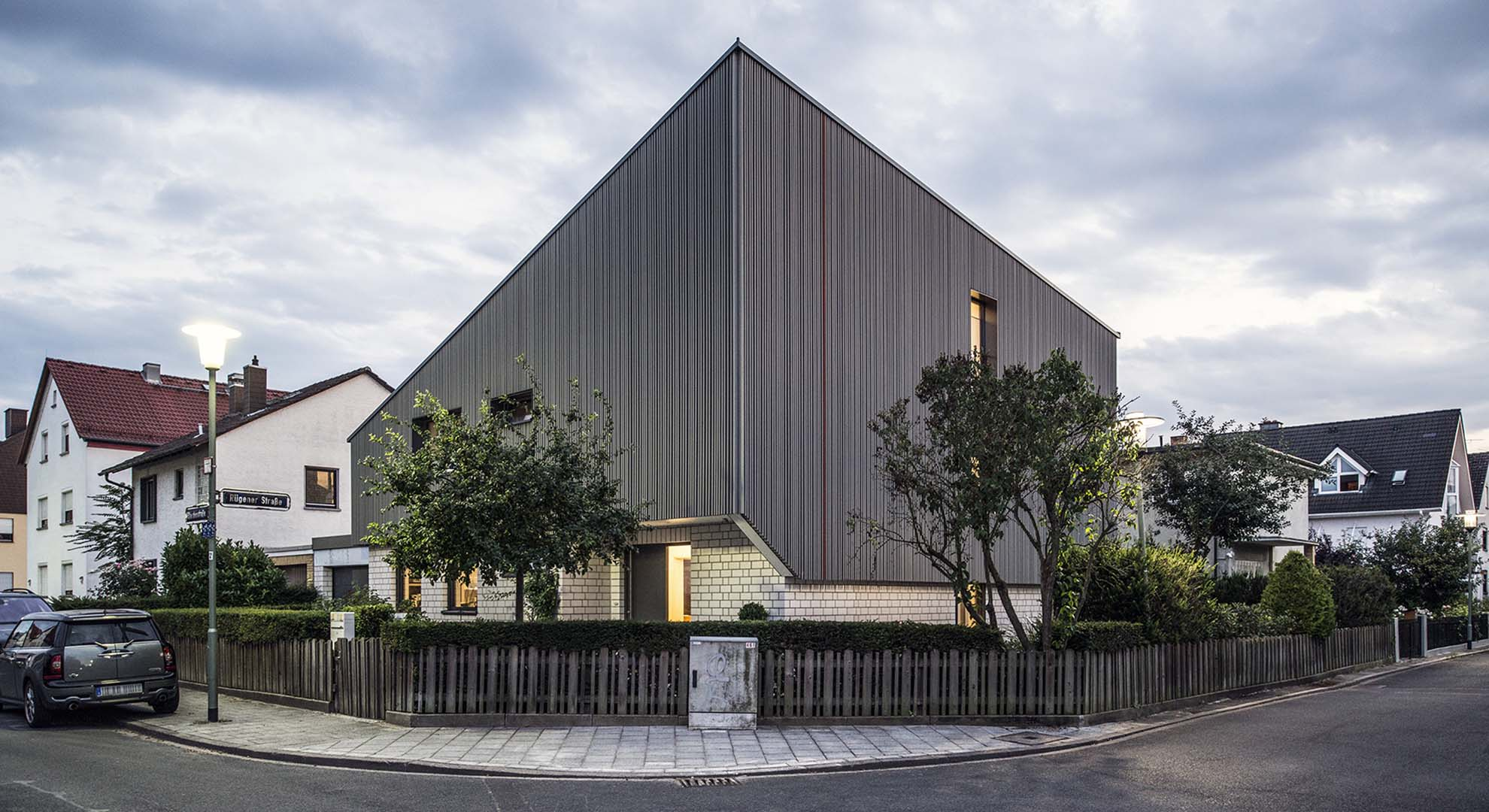 New building processes are being explored by a growing number of architects in the field, through community-driven and self-built projects