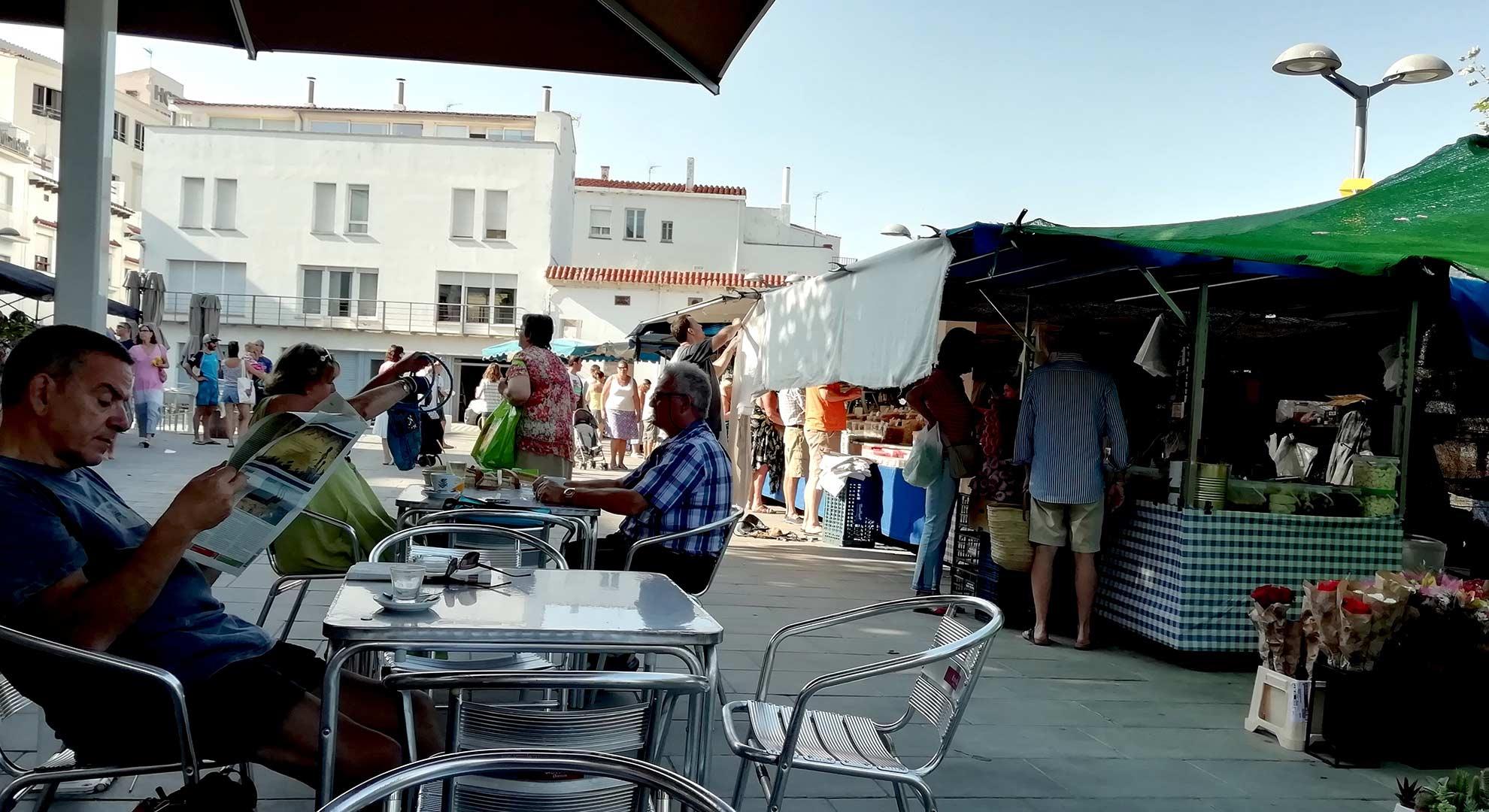 Día de mercado, Port de la Selva, España.