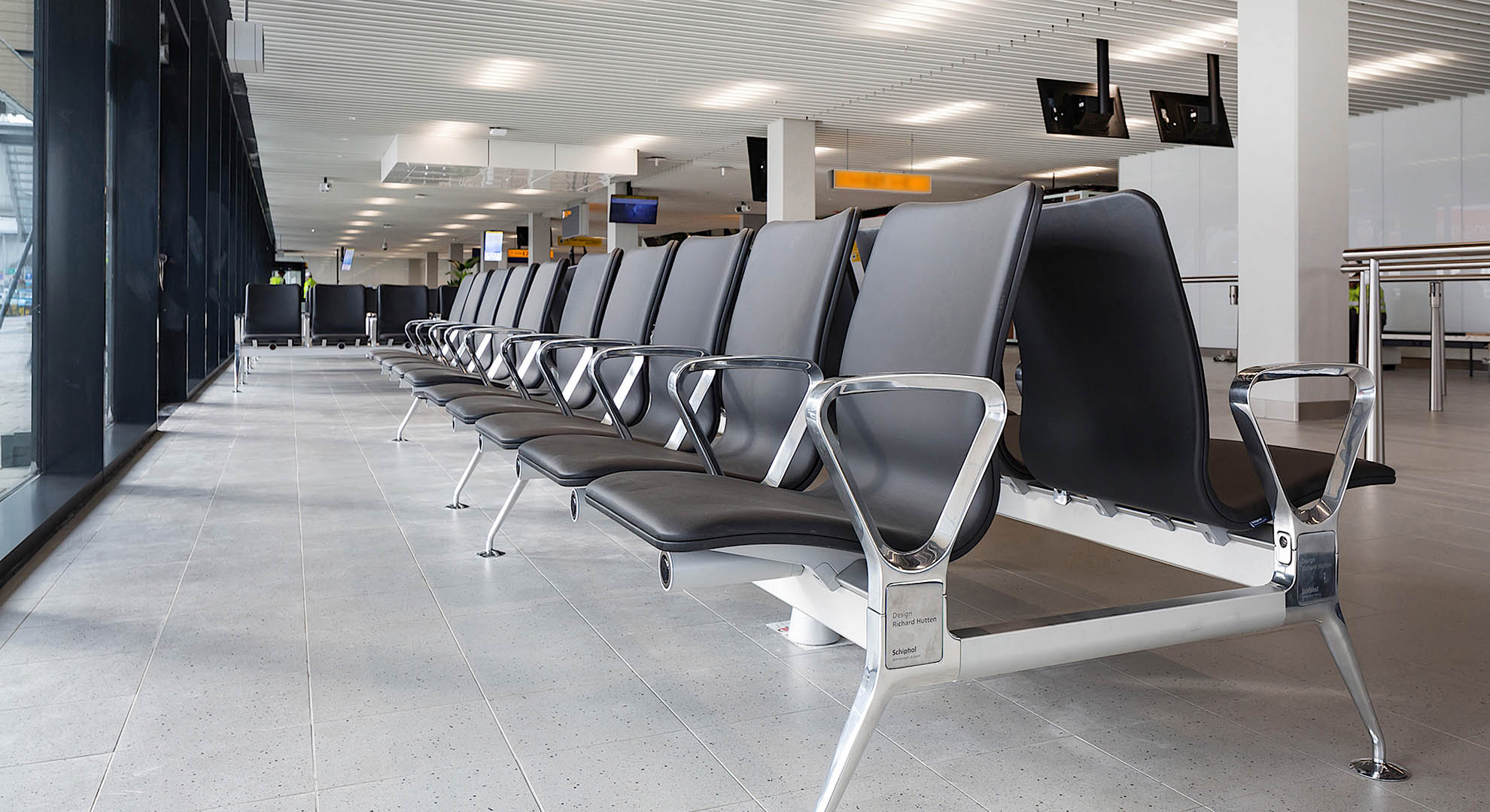 For the seats at Schiphol Airport, the designer used coconut hair to avoid plastic.
