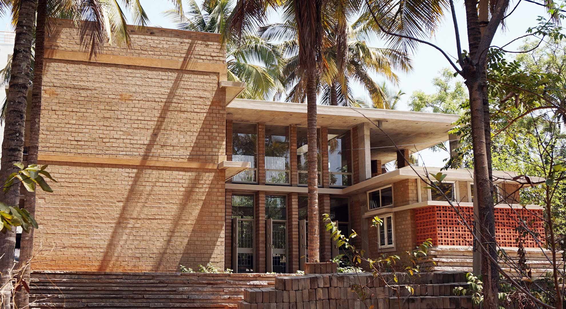 Architects Rashmi and Deepak Gupta constructed this example of traditional architecture in Bengaluru.