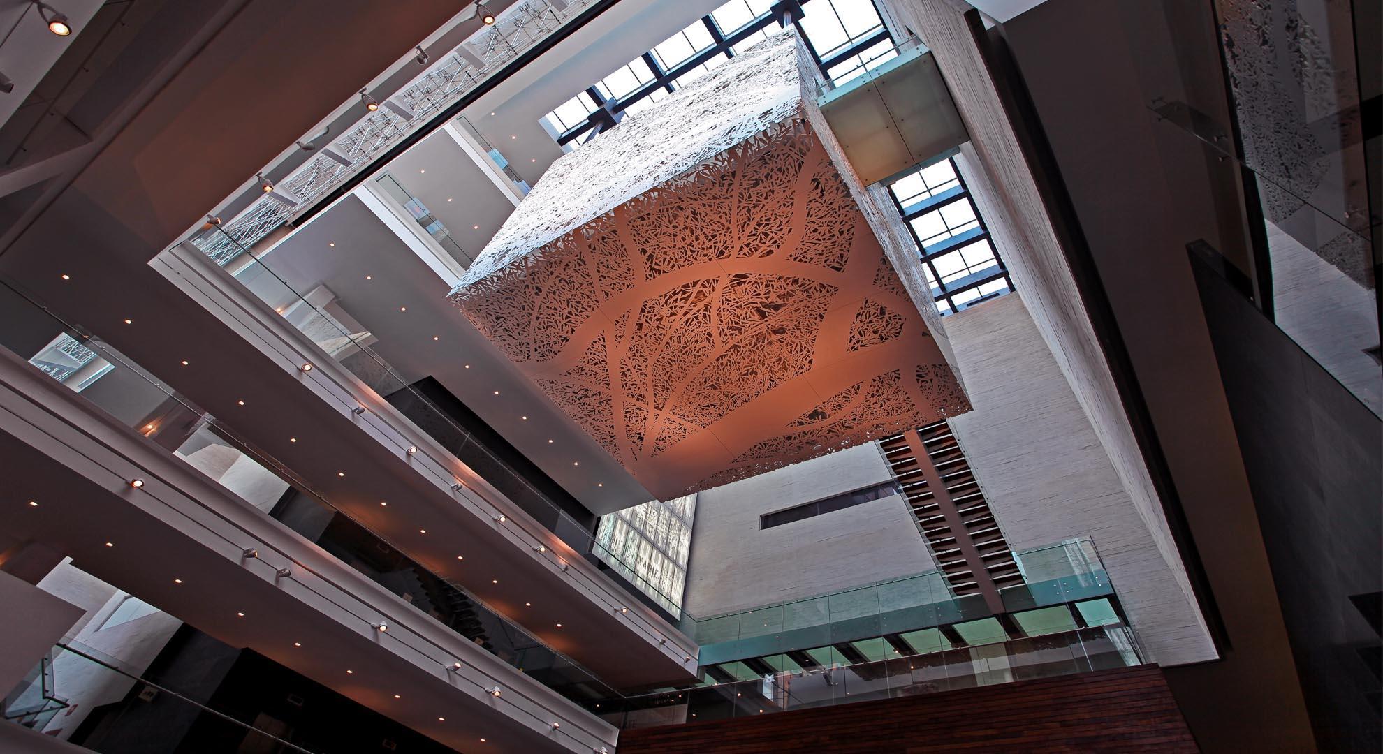 Detalle del interior del Museo Memoria y Tolerancia.