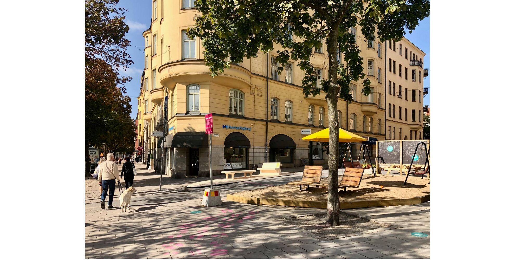Diseño urbano con elementos de madera. Proyecto Street Moves