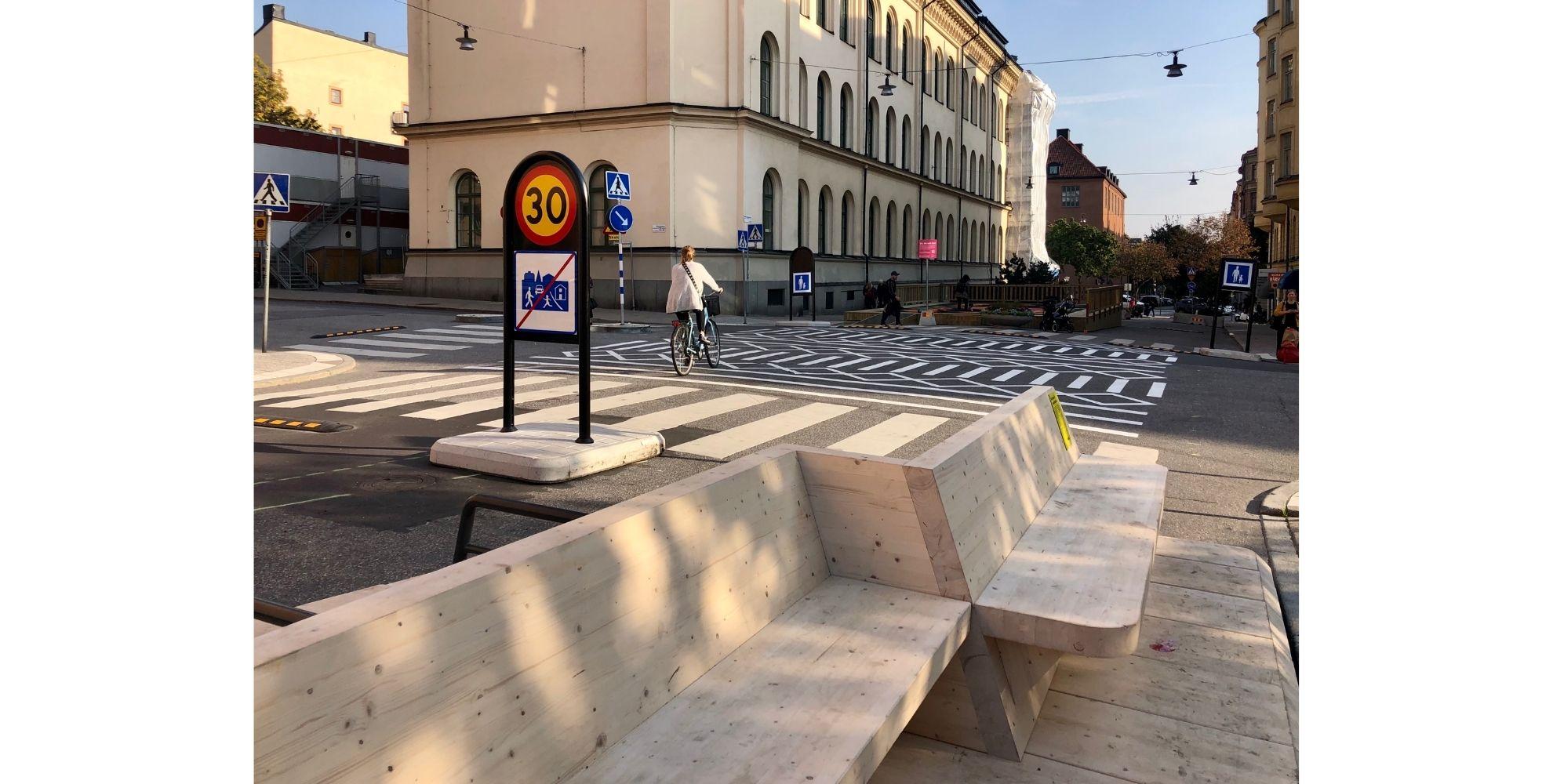 Elementos de diseño urbano de madera del Proyecto Street Moves